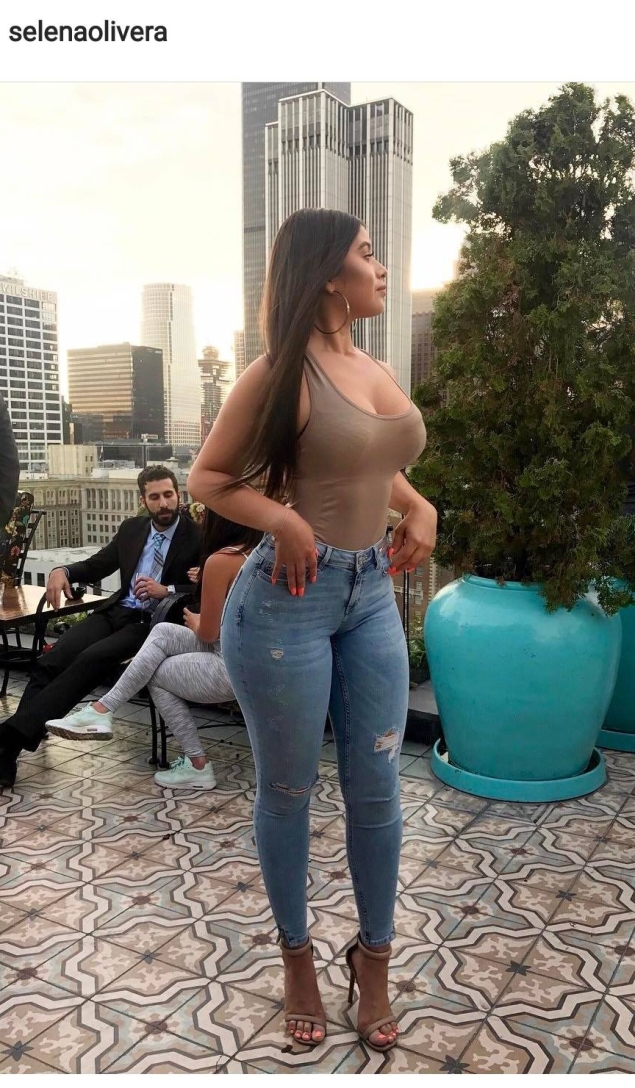 babesandfelines top zara jeans